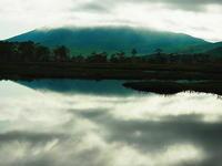 雲に隠れし燧ケ岳 - 風の香に誘われて 風景のふぉと缶