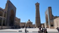 423. 華やかな舞台の裏 / カラーン・モスク - 世界の建物 awesome1000