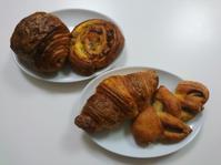カタネベーカリーのパン - お弁当と春の空