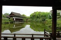 平安神宮(その6)東神苑の社殿 - レトロな建物を訪ねて