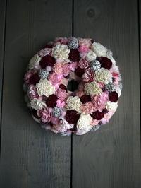 ご自宅玄関に飾る、ドライ系リース。「ピンク~ワイン系」。直径30cm位。2019/06/15。 - 札幌 花屋 meLL flowers