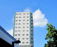青い空、白い雲 - のんびり街さんぽ