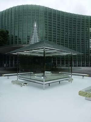 ガラスの茶室「光庵」ご紹介。国立新美術館(東京)にて公開中。 -