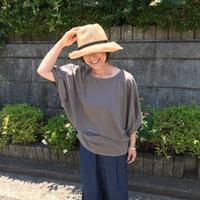 タック袖のドルマンスリーブTシャツ - Flora 大人服とナチュラル雑貨