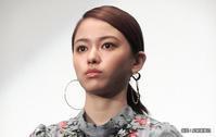 美女・・山本舞香さん - 日頃の思いと生理学・病理学的考察
