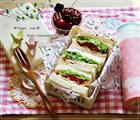 OL弁・レタスたっぷりサンド弁当とリンネル8月号♪ - ☆Happy time☆