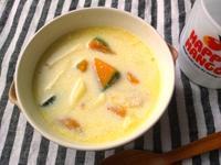 カボチャとマカロニのミルクスープ - Minha Praia