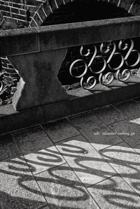 眼鏡橋と紫陽花モノクロ - A  B  C