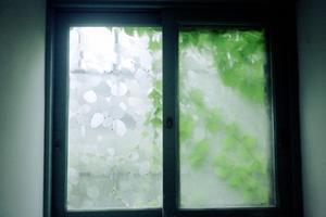 逃避 - 世話要らずの庭
