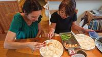 """外国からの旅行者さんへプライベイト料理教室を行いました - 自然食カフェの""""おひさま"""""""