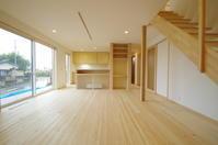対面キッチンのフロント4・ガラリ戸+書斎コーナー - K+Y アトリエ一級建築士事務Blog