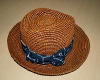 夜の空いた時間に!帽子のリボンを縫ってました! - 織月紅希の真っ赤な月窯ギャラリー