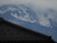 梅雨雲の立山 - タビノイロドリ