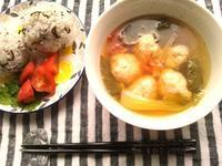 鶏ミートボールと野菜の塩麹中華風スープ - Minha Praia