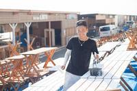 海の家の設営【2】 - 写真の記憶