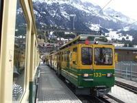スイスの山間部を走る電車 - 信仙のブログ