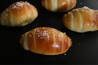 塩バターロール9月・自家製酵母基本とパンづくりのコツが学べます - 自家製天然酵母パン教室Espoir3n(エスポワールサンエヌ)料理教室 お菓子教室 さいたま