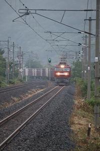 藤田八束の鉄道写真@梅雨の時期の貨物列車、鉄道写真・・・青い森鉄道にて、晴れの日・雨の日そして曇りの日「金太郎」は走ります。 - 藤田八束の日記