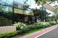 スターバックス リザーブ® ロースタリー 東京 - PASSAGE