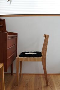 暮らしの一コマ。椅子と共に、愛用していきたい椅子敷。 - 暮らしの美学