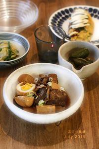 ご神入れの日の食卓(角煮と小鉢) - KICHI,KITCHEN 2