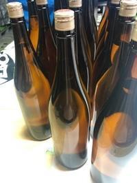 「特別純米ゴールドラベル」「純米吟醸ブルーラベル」などレッテル張り - 日本酒biyori