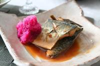 鯖の味噌煮紅くるり大根おろし添え - 登志子のキッチン