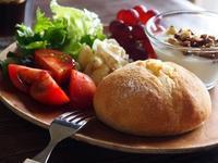 自家製天然酵母のプチパン - bauletto