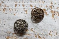 ヴィンテージメタルのボタンを入手しました - フェルタート(R)・オフフープ(R)立体刺繍作家PieniSieniのブログ
