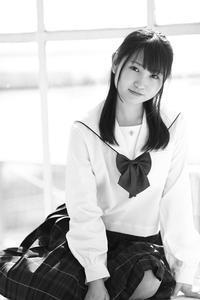 白井花奈ちゃん23 - モノクロポートレート写真館