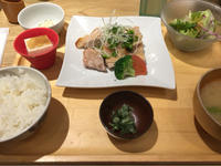 6日 お肉のランチ@おぼんdeごはん - 香港と黒猫とイズタマアル2