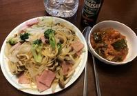 週明けのランチは しめじとベーコンのスパゲッティ♪ - よく飲むオバチャン☆本日のメニュー