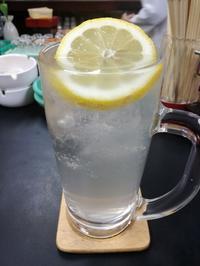 レモンサワーも焼酎濃い〜『橘』 - 三毛猫酒場で朝から酎ハイ。。