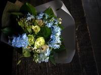 産休に入られる方への花束。「青~緑系」。2019/07/11。 - 札幌 花屋 meLL flowers