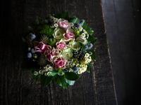お誕生日の女性へのアレンジメント。淡いピンク系。2019/07/12。 - 札幌 花屋 meLL flowers