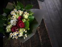 おばあちゃんのお誕生日に花束。「ピンク~白系、ナチュラル」。2019/07/13。 - 札幌 花屋 meLL flowers
