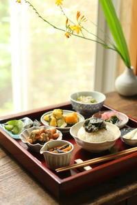一生続くごはん作り 〜つくり置き de 小皿を並べたお昼ごはん♪〜 - キラキラのある日々