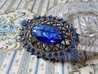 青いラインストーンのオープン・バックのブローチ - Der Liebling ~蚤の市フリークの雑貨手帖3冊目~