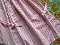 ピンクの小花柄ビンテージ・エプロン - Der Liebling ~蚤の市フリークの雑貨手帖3冊目~