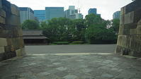 江戸城石垣と丸ノ内ビル群 - 風の香に誘われて 風景のふぉと缶