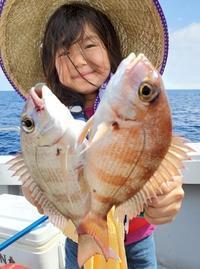可愛い釣りガール   夏のバカンス満喫   二日目 - 五島列島 遊漁船 MANA 釣果情報 ヒラマサ
