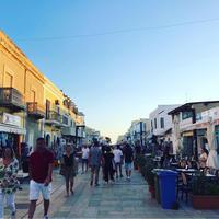 2019夏ランペドゥーザ島でバカンス vol.4 夜の街に繰り出す! - 幸せなシチリアの食卓、時々旅