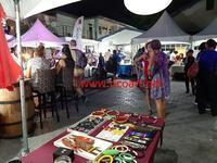 人気のナイトマーケットで絵の展示即売 - ジャマイカブログ Ricoのスケッチ・ダイアリ