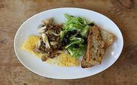 オミニムレツで朝ごパン - Nasukon Pantry