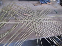 竹かご作り・・・みんなのかご。 - くろぐろなるままに 気ままに。