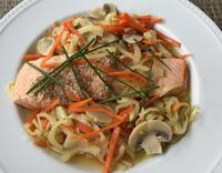 鮭と野菜と白ワインの蒸し煮 - やせっぽちソプラノのキッチン2