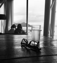 海が見える店でランチ - ホリー・ゴライトリーな日々