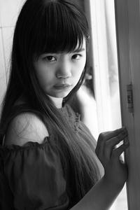三浦彩楓ちゃん32 - モノクロポートレート写真館