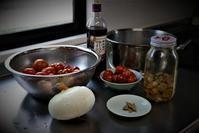 家庭菜園のフルーツトマトでトマトソースづくり - 今夜の夕食
