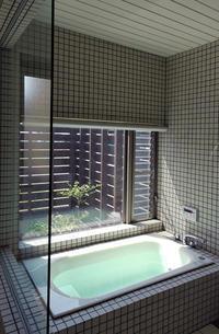 緑のバスコートのある浴室! - 島田博一建築設計室のWEEKLY  PHOTO / 栃木県 建築設計事務所